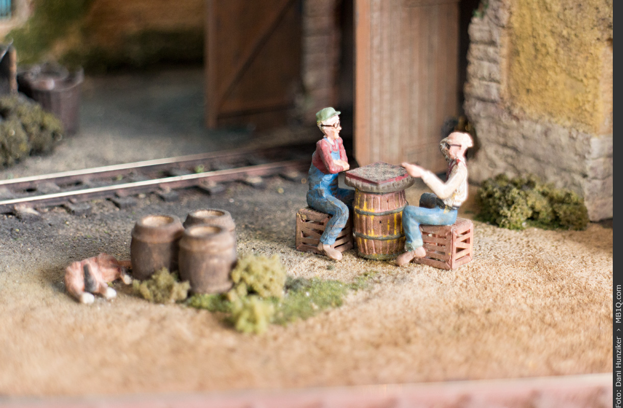 Checker Players, Woodland Scenics, O scale
