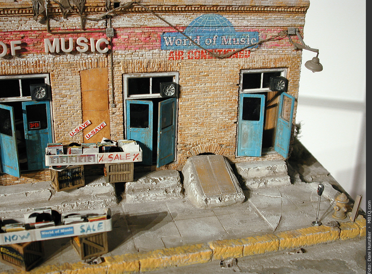 1/48 scale diorama Record Shop «World of Music»