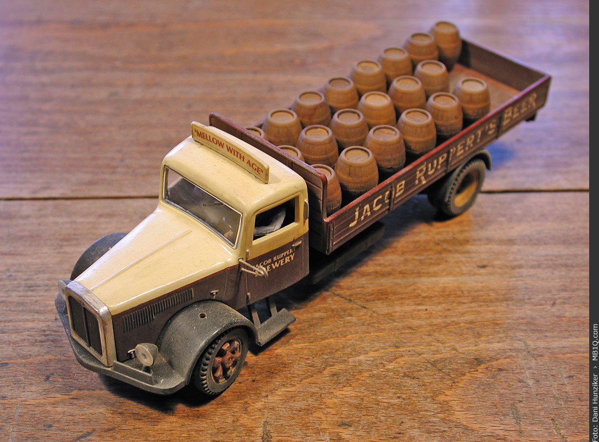 Corgi: White Brewery Truck «Jacob Ruppert's Beer» [98458]